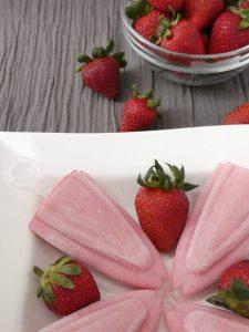 Strawberry yogurt popsicles