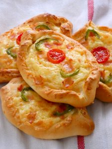 Greek boat shaped pizza - Peinirli