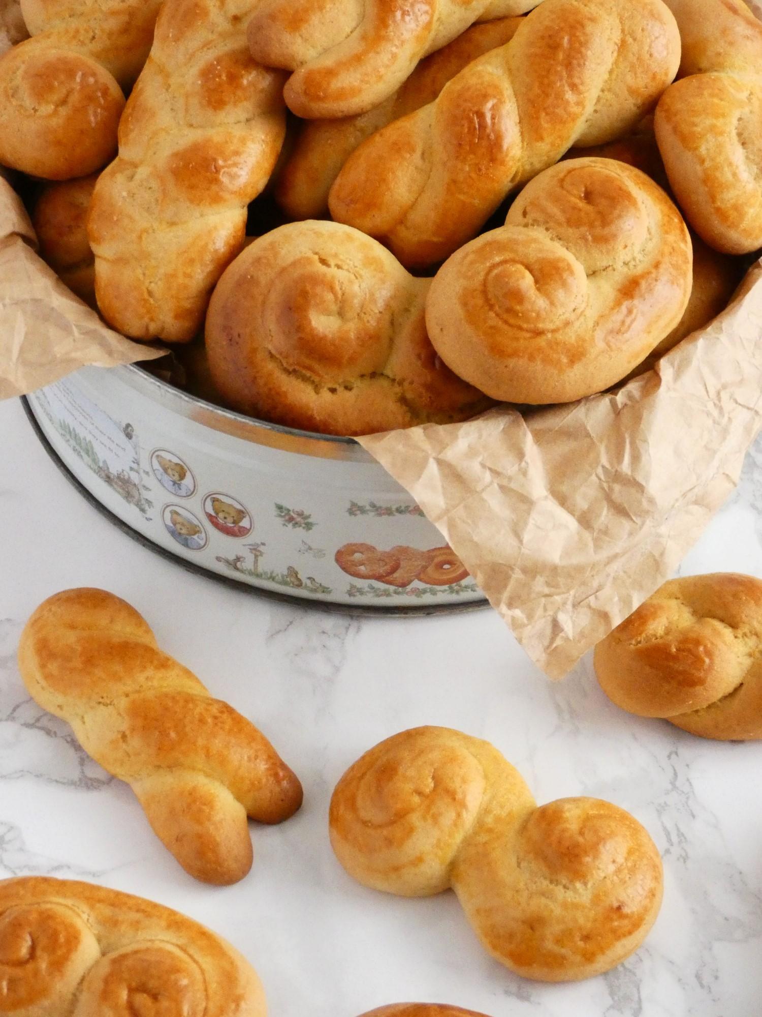 Koulourakia - Greek Easter cookies