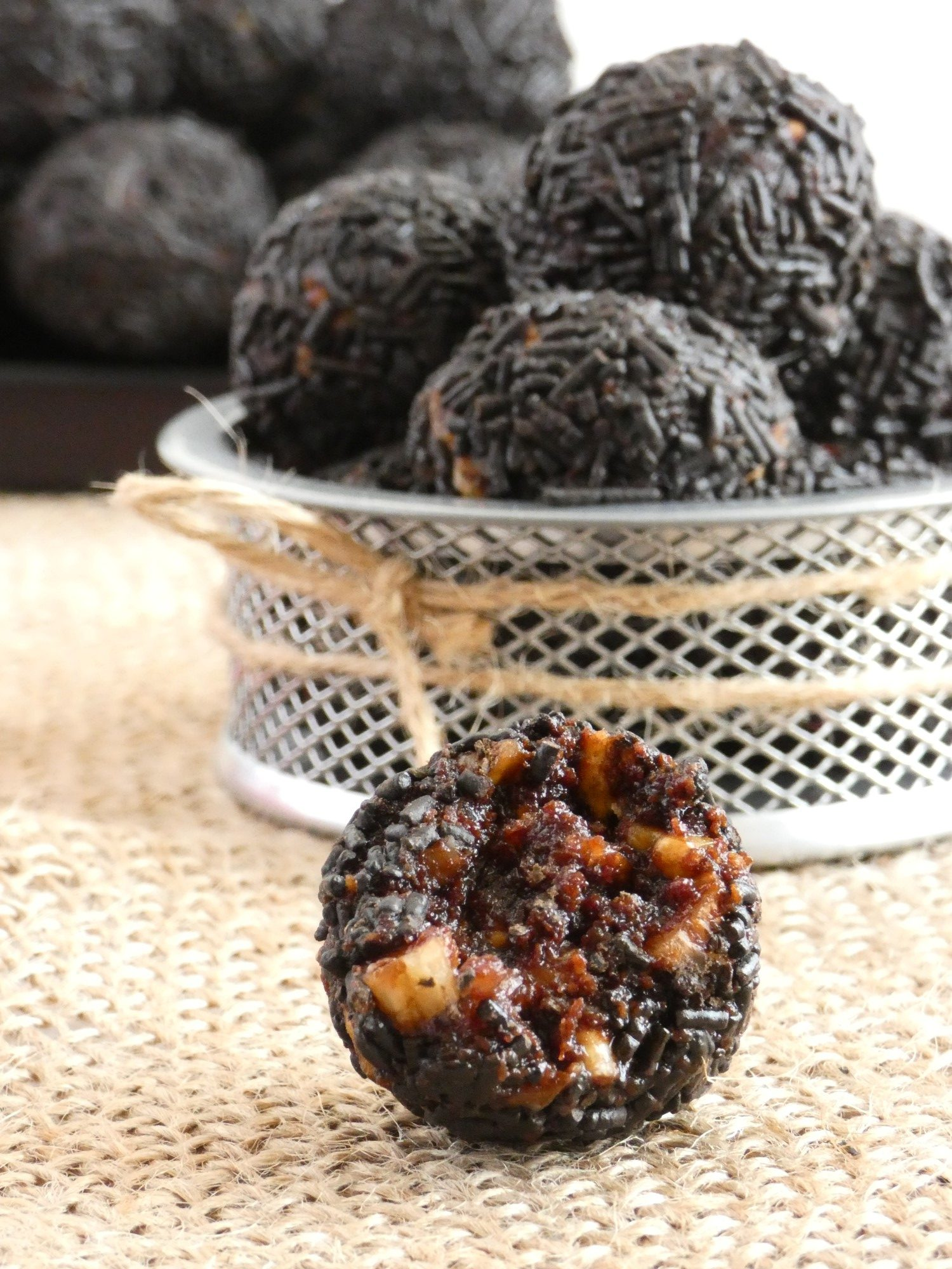 Walnut and Biscuit Chocolate Truffles